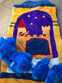 Kids plush castle sleeping bag Discovery Bay, 94505