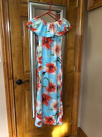 OFF shoulder hibiscus long dress size Small 226 mi