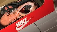 pair of pink Nike lace-up casual sneakers with box Toronto, M1C 2G8