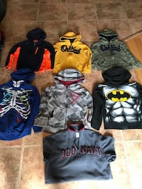BOYS HOODY BUNDLE SIZE 6X-7There's 7 hoodies altogether including 3 OSHKOSH and 1 OLD NAVY $25 FIRM Trenton, K8V 6P2
