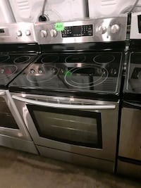 SAMSUNG glass top electric stove working perfectly 4 months warranty  Baltimore, 21223