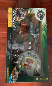 Army toy set NEW
