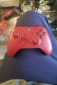 Red xbox one controller wireless 2 a battery  USED  Edmonton, T5G