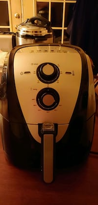 Secura Air Fryer like new only used a few times. Pinson