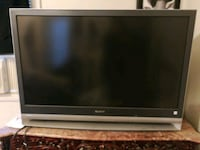 gray and black sony TV 536 km
