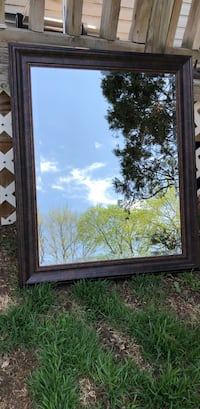 """Large Framed Mirror 28"""" x 33"""" Only Two Months Old Farmington Hills, 48336"""