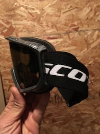 Scott snowboard goggles. Excellent condition. Calgary, T2Y 4A3