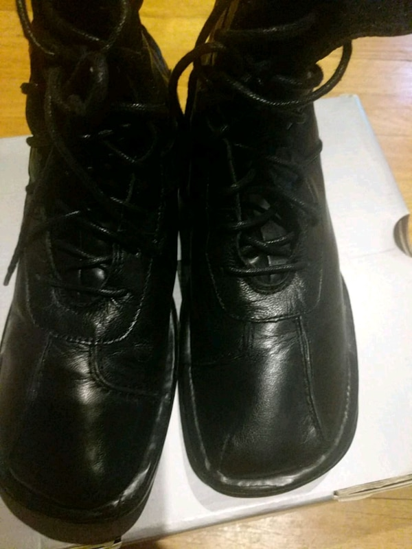 b22f57757637 Used Black ankle boots size 9 for sale in Hillside - letgo