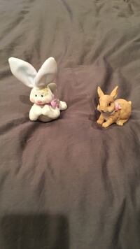 Two white and brown rabbit ceramic figurines Seymour, 37865