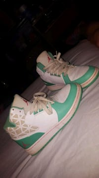 pair of white-and-green Nike sneakers Charleston, 25302