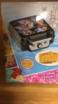 Disney princess waffle maker new in box  Brampton, L6P 1B5