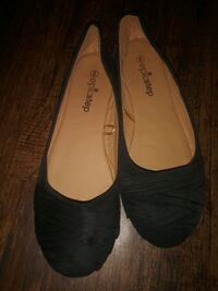 ***WOMEN'S SIZE 9 SHOES!*** Dallas