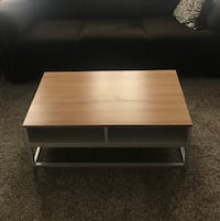Lift top coffee table Schenectady, 12309