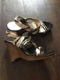 pair of brown-and-black leather sandals London, N6K 1L4