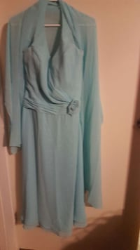 teal long sleeve dress with floral accent London, N6J 4W1