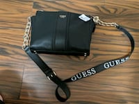 New guess crossbody with tags retail $110  Cambridge, N1T 1Y5