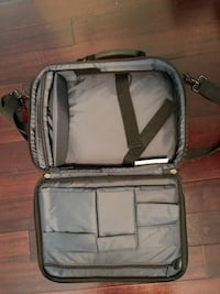 Targus laptop bag Toronto, M2K 1S2