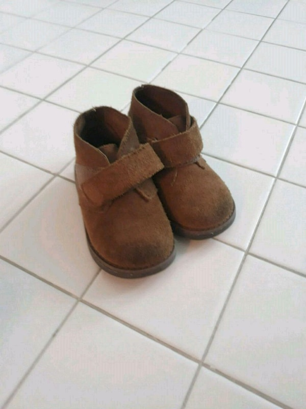 Size 7 Brown suede boots