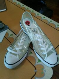 Brand New Converse shoes. Edelstein, 61526