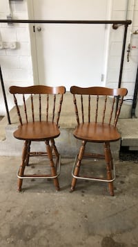 Two brown wooden windsor chairs Winchester, 01890