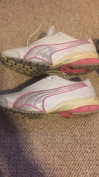 Women's sz7.5 BOTH PAIRS FOR 20$$$$$$ Worcester, 01606