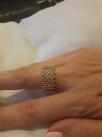 Rose gold ring size 7 Cambridge, N1R 7H1