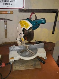 MAKITA 10IN MITER SAW...WORKS GOOD!!!EXCELLENT CON Indianapolis, 46221