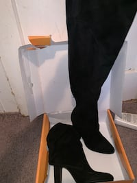 Woman's knee high boots. Size 8 Middletown, 10940