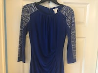 blue scoop-neck long-sleeved shirt Fairfax