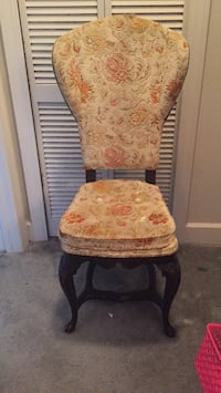 Ornate upholstered chair Lady Lake, 32159