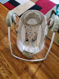 baby's gray and white swing chair Hyattsville, 20784