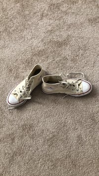 Shoes size 7 and a half   converse! Irvine, 92606