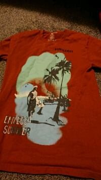 Medium Hawaii shirt Red Deer, T4N 3W2