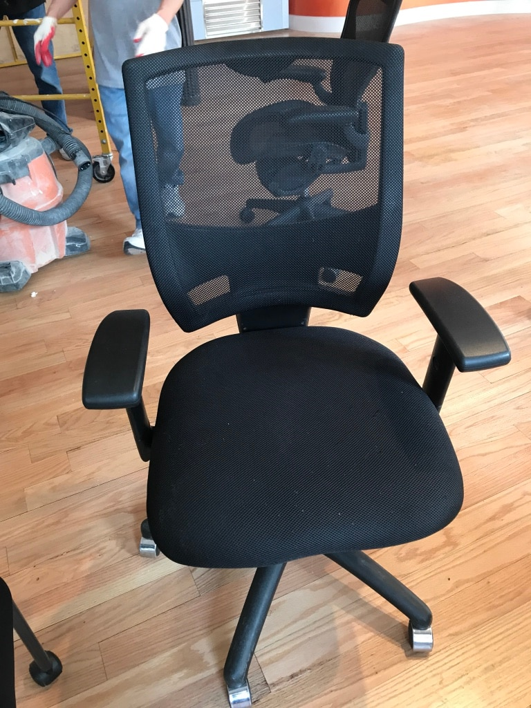used black mesh back office rolling armchair for sale in new york rh us letgo com