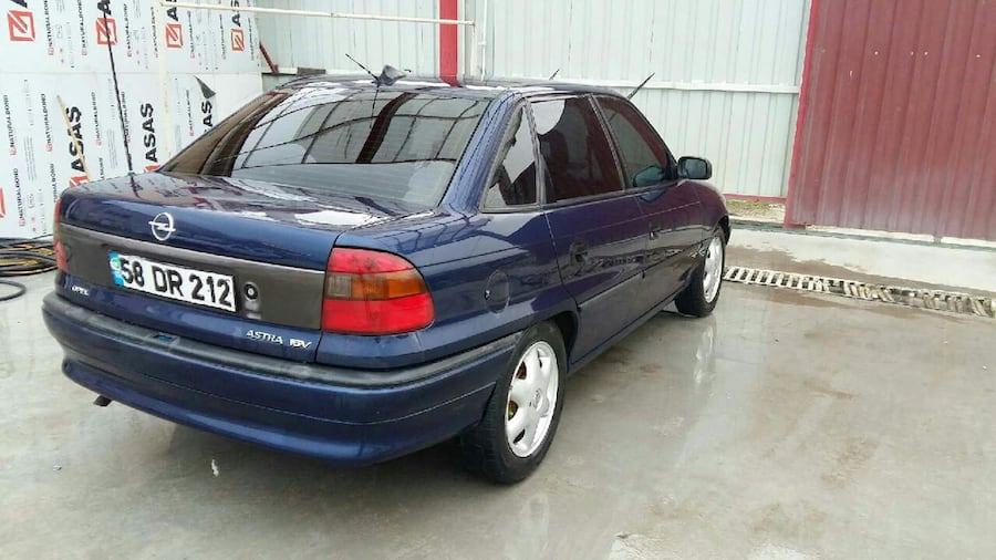 Opel - Astra - 1998 204c8d56-1703-408a-8969-f0908302eb84