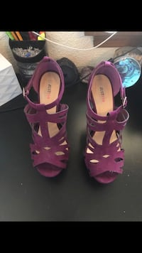 Pair of purple open-toe ankle strap heels (Just fab) Tigard, 97223