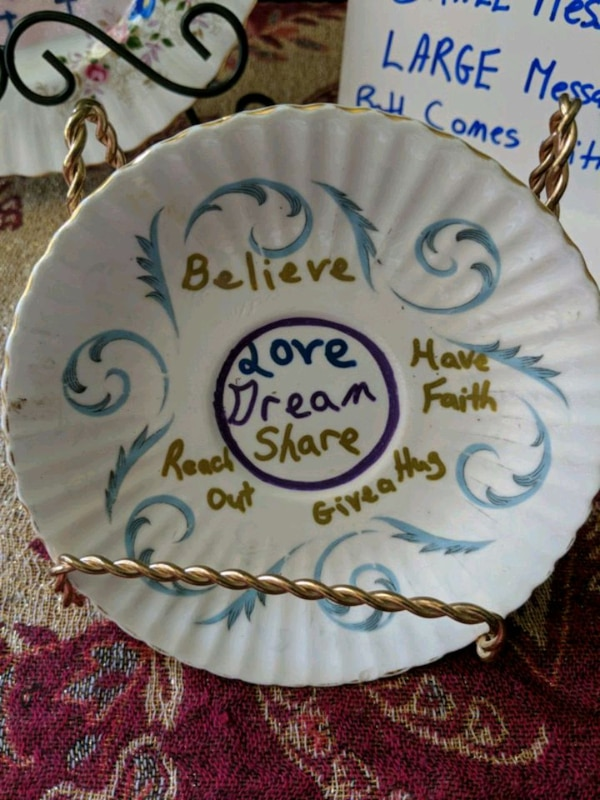 Healing message plate with stand