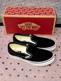 NWB&T Blk &White Vans slip on sneakers Victorville, 92395