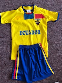 Kids soccer outfit size 6