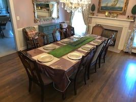 Rooms 2 Go Wooden Brown Dinning Table + Chairs & China Hutch