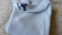 Gap knit size large Surrey