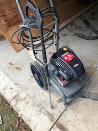Black and red pressure washer Richmond Hill, L4C 1T2