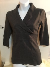 Rw & co. grey top: size small