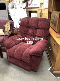 Lazy boy recliner chair seating Springboro, 45066