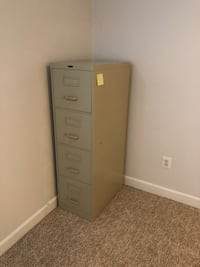 White metal 4-drawer filing cabinet Woodbridge, 22192