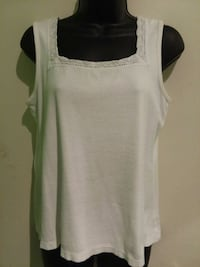 Summer top - Size Large  Arlington, 76014
