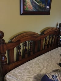Solid pine headboard with bed frame for Queen size bed East St. Paul, R2E 0G5