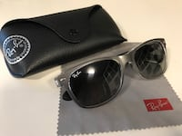 black Ray-Ban wayfarer sunglasses with case Burlington, L7R 3P3