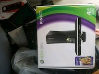 Xbox 360 256gb with Kinect  North Vancouver, V7M 1L3