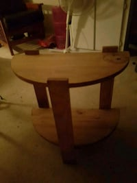 round brown wooden side table Brechin, L0K 1B0